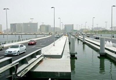 Al Maktoum Floating Bridge, Dubai